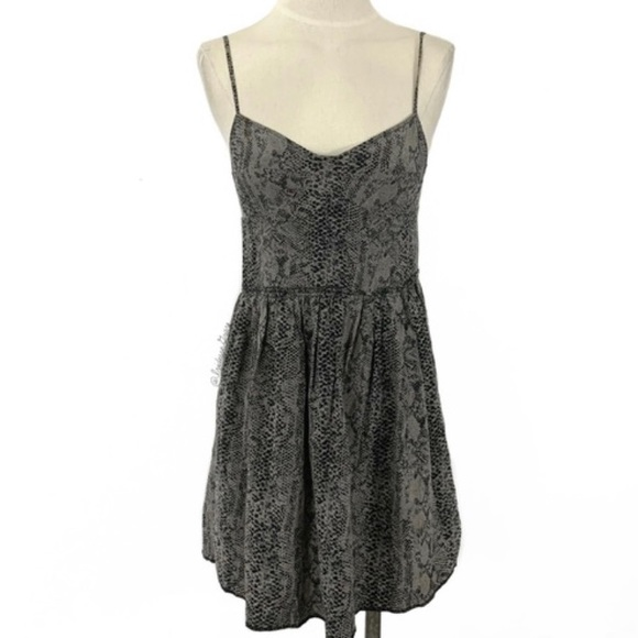 Wilfred Dresses & Skirts - Wilfred silk 'Nina' dress in snakeskin - Sz 4